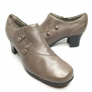 Clarks Taupe Booties Size Zipper Heeled Boots